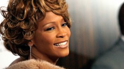 Addio, Whitney Houston!
